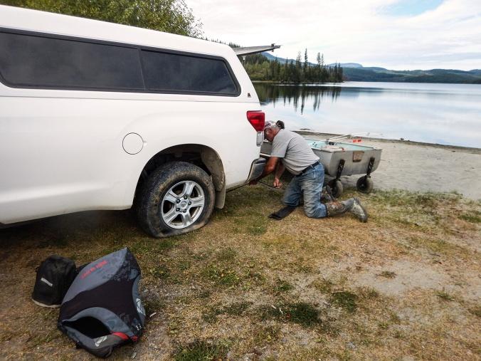 DSCN0951 flat tire at Bosk Lake 2015